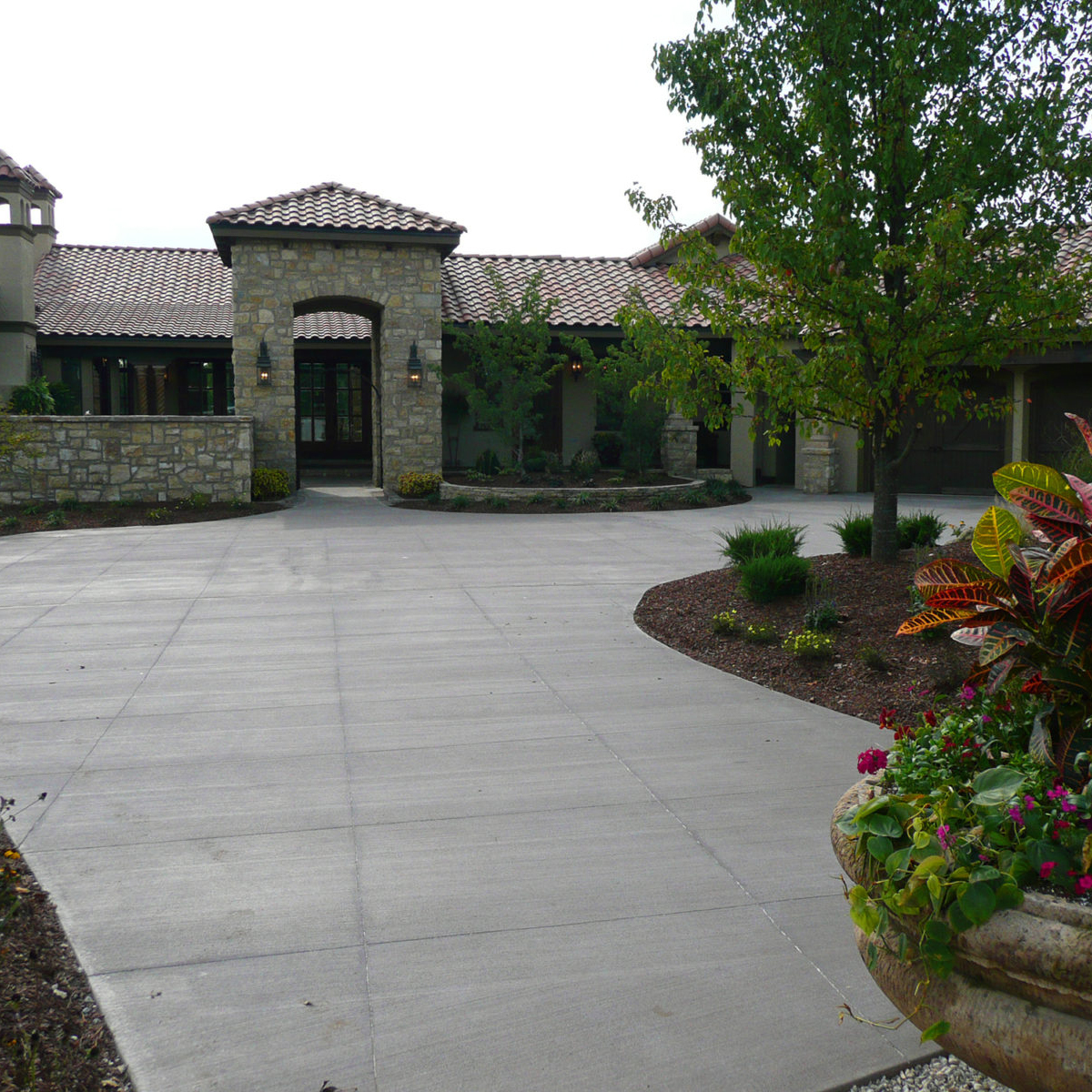 Custom concrete driveways for your home and other concrete services from Aesthetic Concrete Designs.